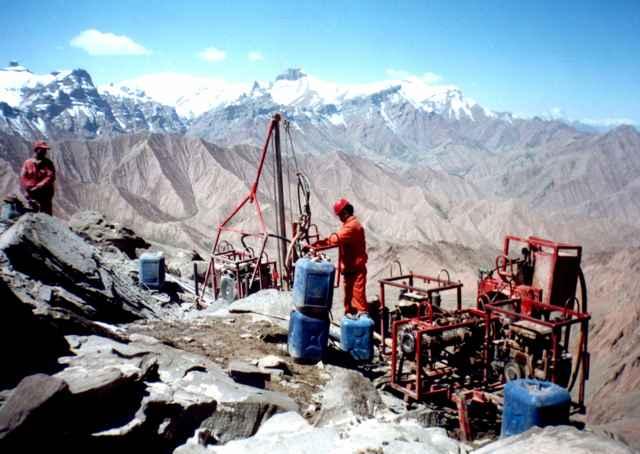 búsqueda de pétroleo en Xinjiang