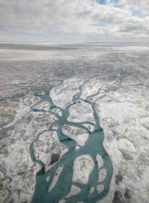 superficie acuosa en Groenlandia