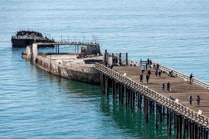 el SS Palo Alto partido en dos en Seacliff State Beach California
