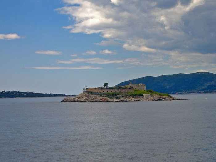 isla de Manula, Montenegro