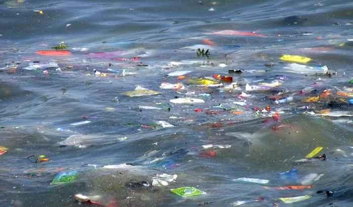 limpieza de plasticos en el océano