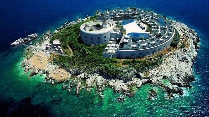 proyecto de resort en la Isla de Mamula