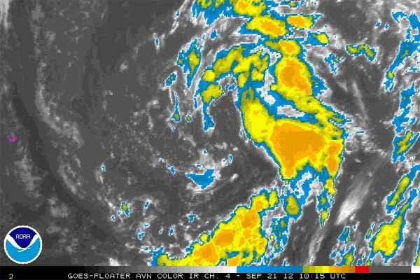 tormenta al Este de Bermudas