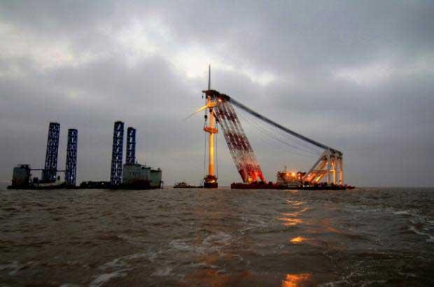 construcción del parque eóico marino de Shanghai
