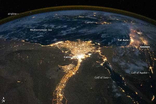 Delta del Nilo de noche desde EEI