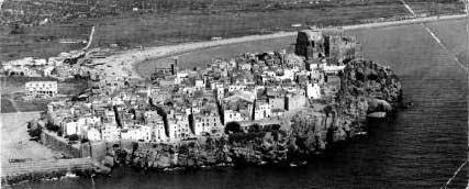 Peñiscola desde el aire, años 40