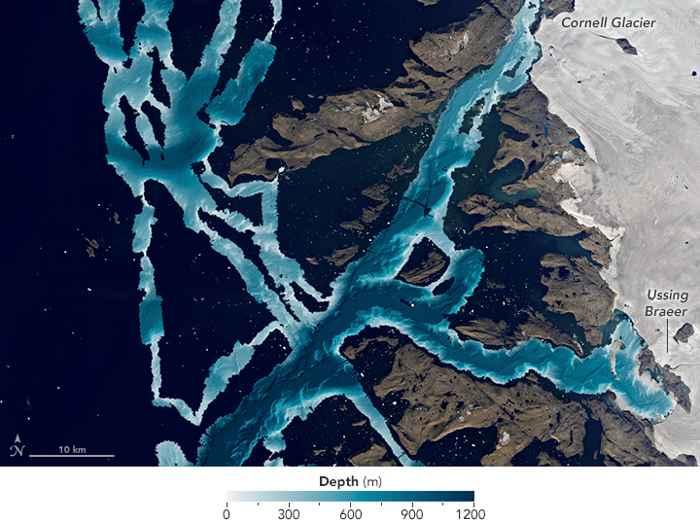 batimetría de la costa este de Groenlandia