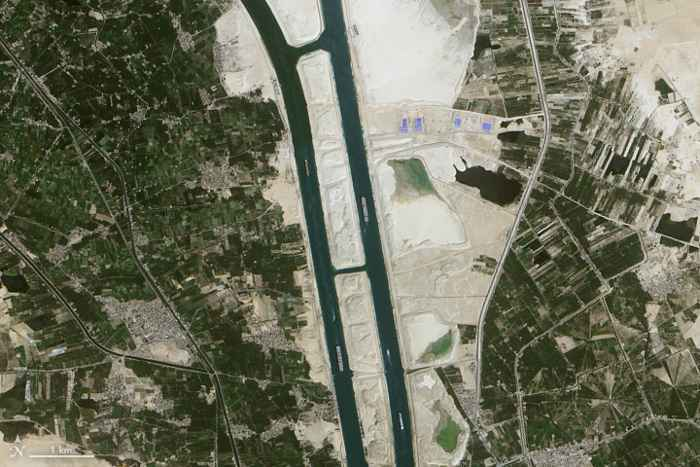 canal de Suez desde satélite, detalle