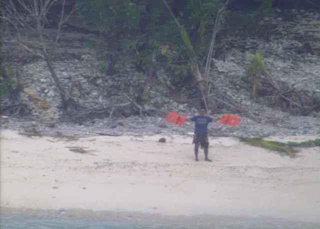 socorro, naufragos rescatados en una isla de Papua