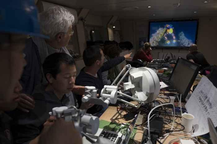 robot submarino OceanOne controles de mando
