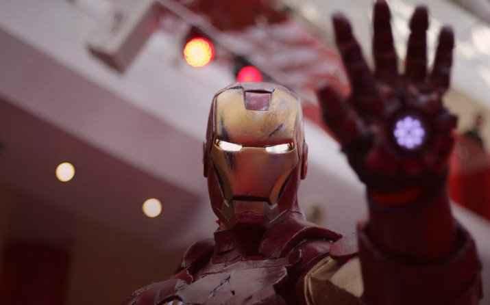casco de la película Iron Man