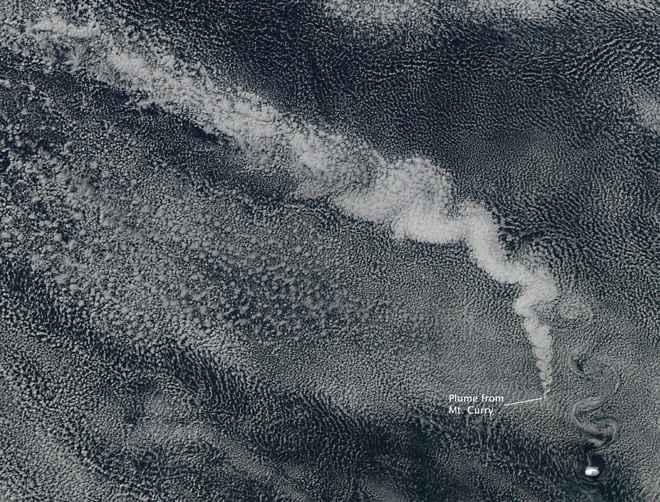 erupción del Monte Curry desde satélite