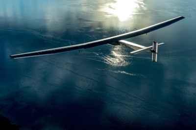 avión Solar Impulse 2 cruzando el Atlántico