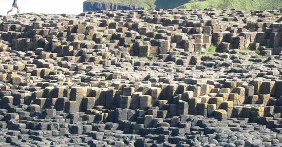 grandes piedras de basalto de la Calzada de los Gigantes