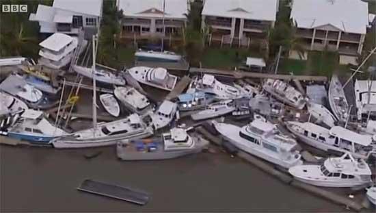 ciclón Yesi, yates sacados del agua en Cardwell, Australia