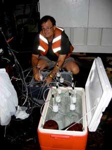 David Hutchins, muestras agua de mar