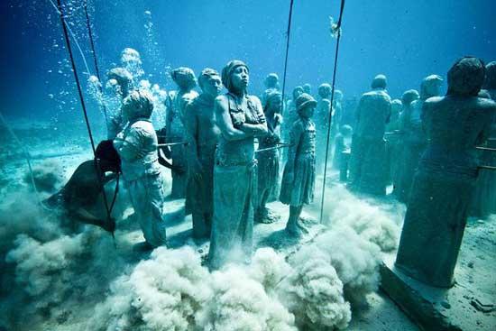 museo subacuático Cancún, colocación de las esculturas en el fodo marino