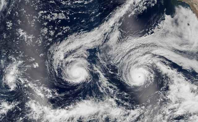 huracanes Madeline y Lester