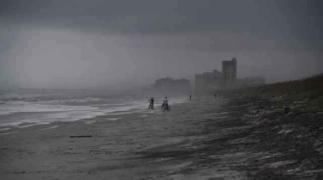huracán Matthew en la costa de Florida