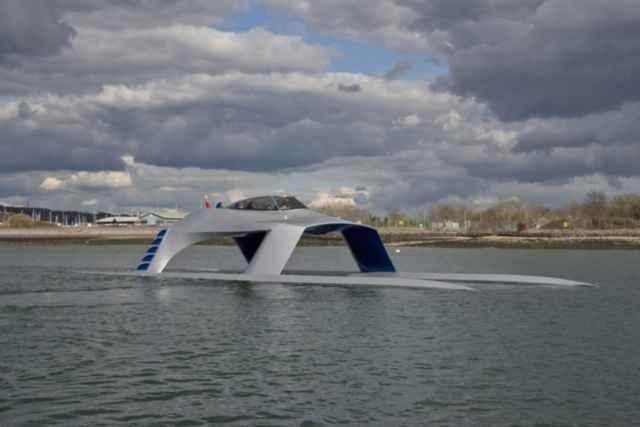 yate Glider SS18