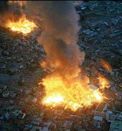 gran incendio tras terremoto de Japón, marzo 2011