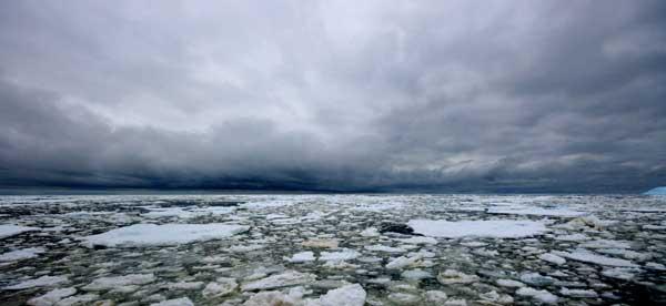 hielo marino en el Océano Pácifico (Antártida)
