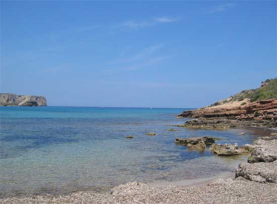 Menorca, playa de Algaiarens