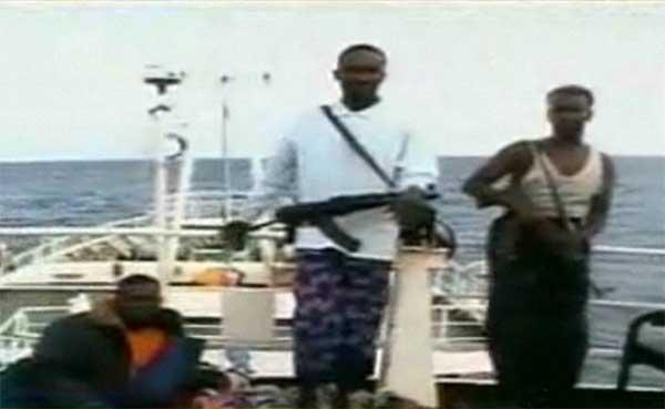 piratas somalíes secuestradores del Quest