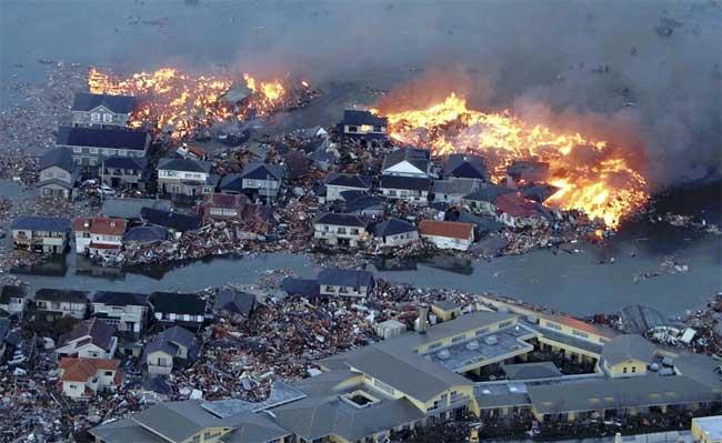 tsunami Japón 11 Marzo 2011, incendios e inundaciones