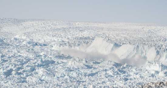 desprendimiento iceberg zona Jakobshavn Isbrae, Groenlandia