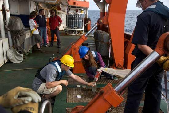 toma de muestras de agua del mar, Expedición Malaspina