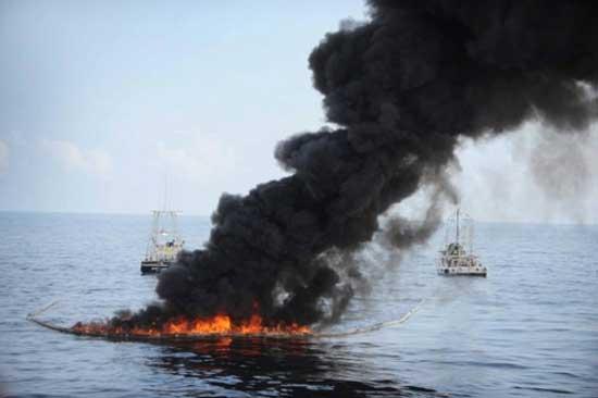 quema de petróleo en el Golfo de México