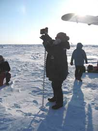 colocando sensores en el hielo