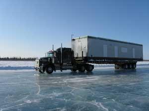 carretera de hielo en el ártico