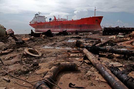 contaminación por desgüace de barcos