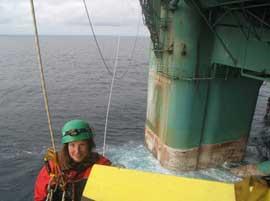 greenpeace aborda la plataforma petrolera Leiv Eiriksson