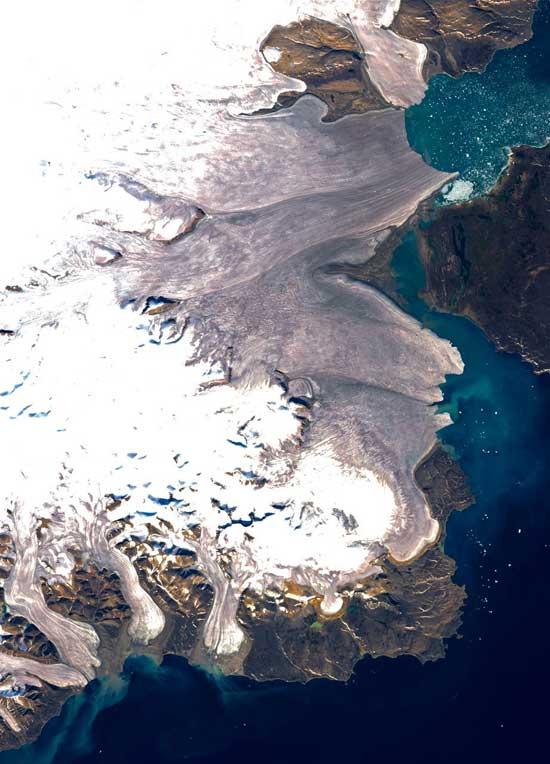 impurezas en la superficie del hielo marino, isla de Devon, Nunavut, Canadá