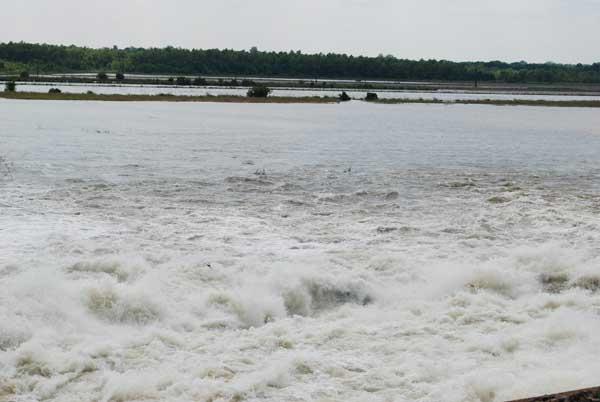 inundación presa de Morganza, río Mississippi