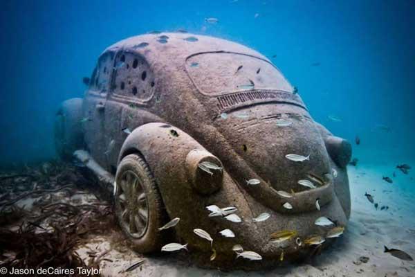 Volkswagen escarabajo submarino en Cacún