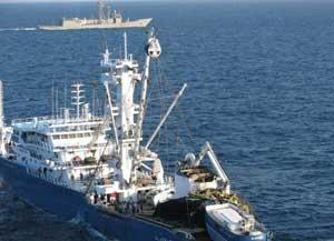 Alakrana escoltado fragata Canarias