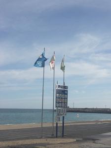 banderas azules en la playa de Vinaroz