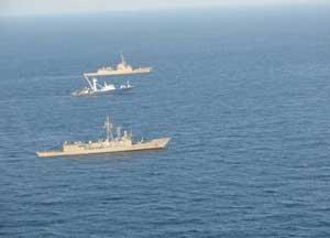 Fragatas Canarias y Méndez Núñez escoltan al Alakrana