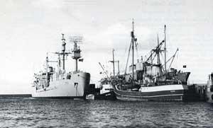 buques Hero y Eltanin
