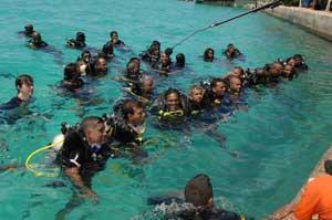 Maldivas, ministros al final de la inmersión