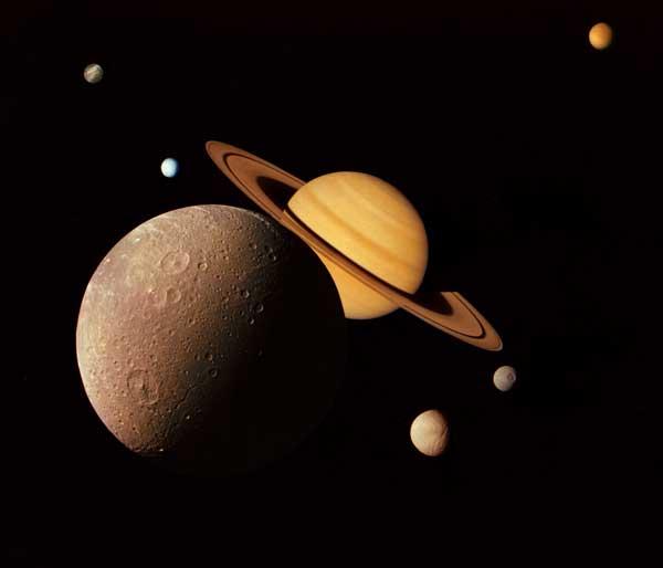 foto montaje sistema de Saturno