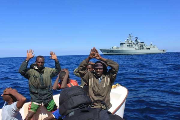 piratas detenidos, nato