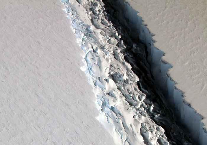 grieta en la plataforma Larsen C de la Antártida, detalle