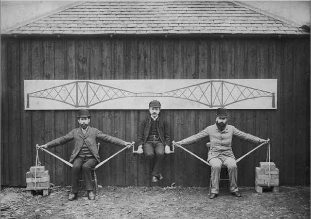 demostración de un puente voladizo