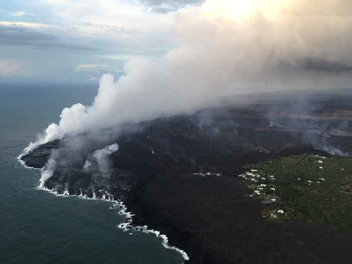 entrada de lava del Kilauea en el océano
