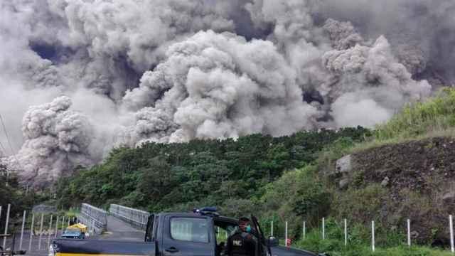 flujo piroclástico del volcán de Fuego